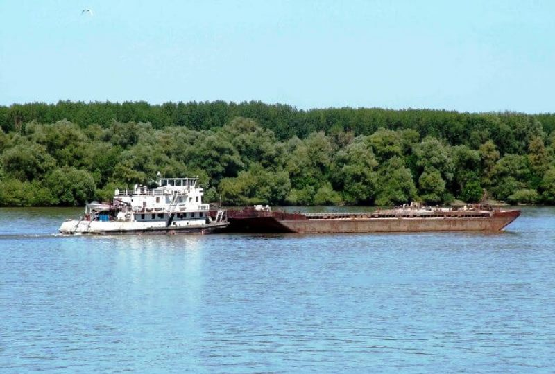 Rečni transport robe Dunavom - Barža