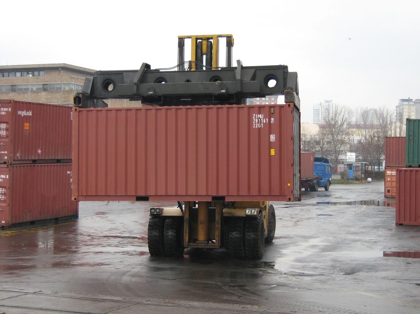 Manipulator za kontenere kapaciteta 27t bruto