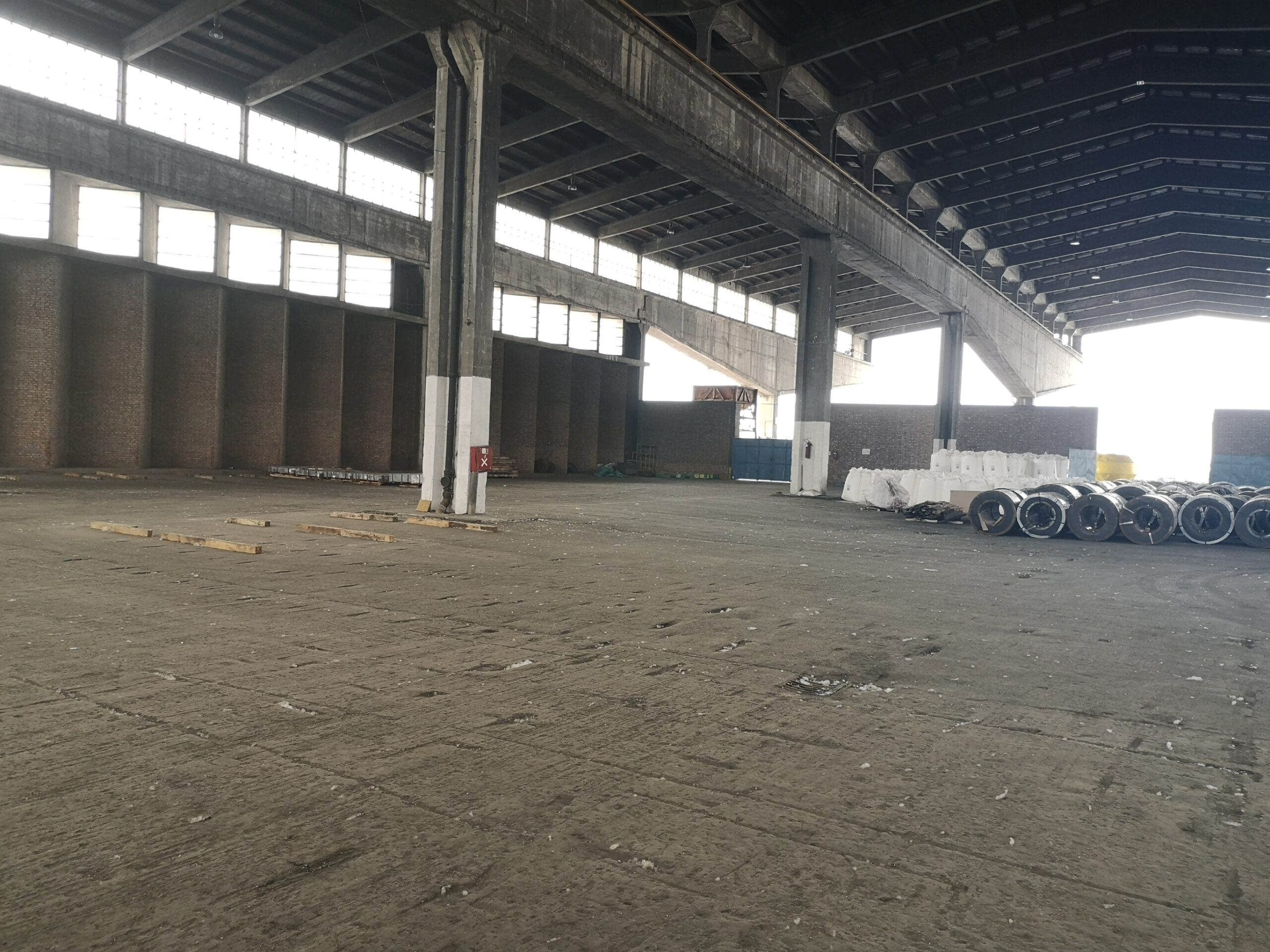 skladišni prostor teskih tereta